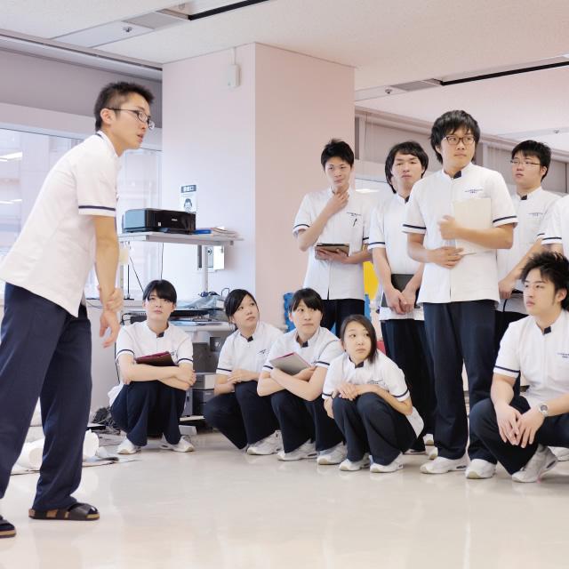 東北保健医療専門学校画像